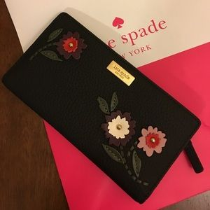 NWT Kate Spade Stacy Wallet 🔥🌸